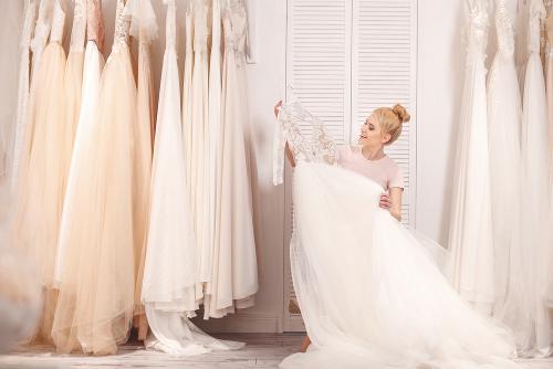Pilih Gaun Pernikahan Berdasarkan 3 Hal ini