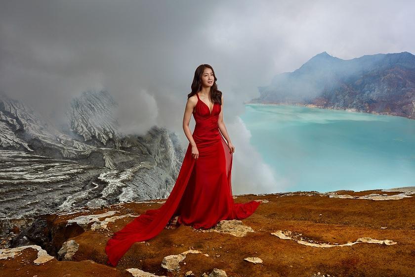 Lee Si Young Hadapi Tantangan Kulit di Gunung Ijen