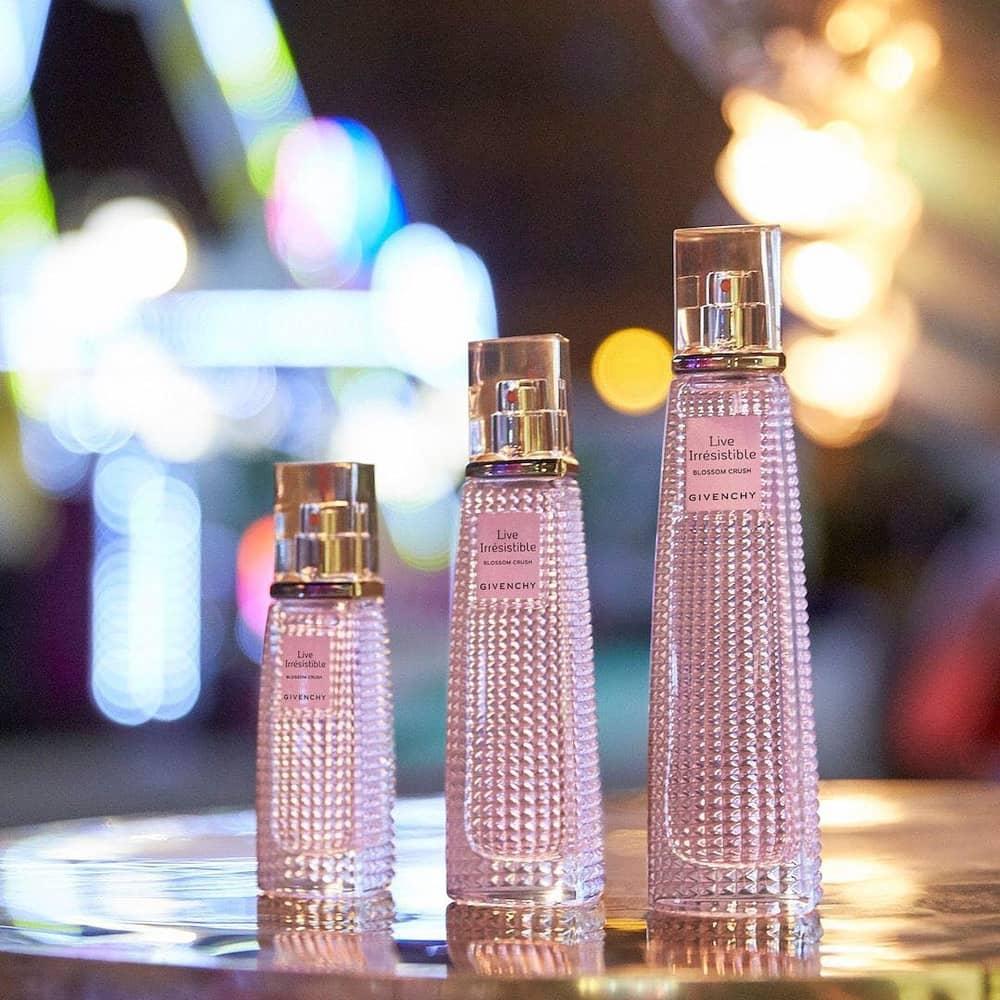 Ini Dia Parfum Givenchy Live Irresistible Blossom Crush
