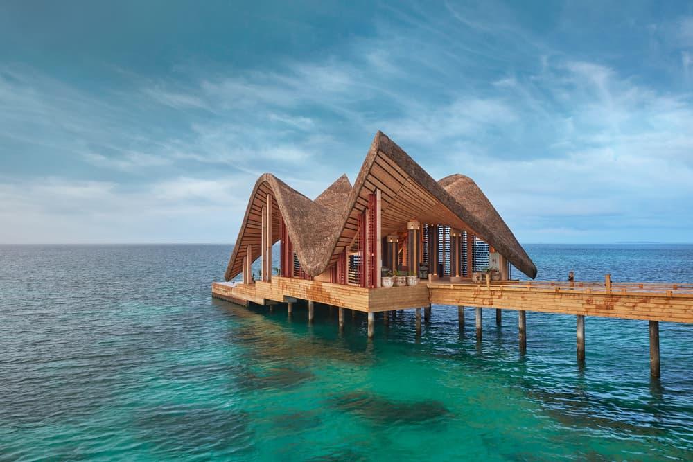 Joali Maldives: Resor Mewah dengan Benda Seni Berlimpah