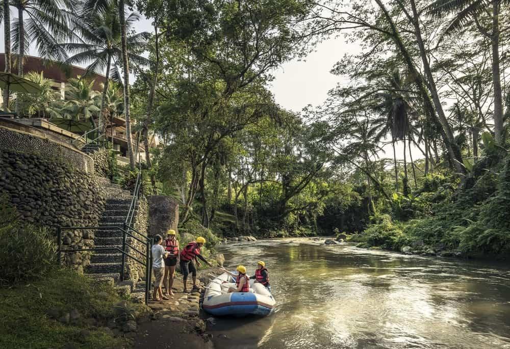 Kala 'Check-In' Naik Perahu di Hotel Four Seasons Bali