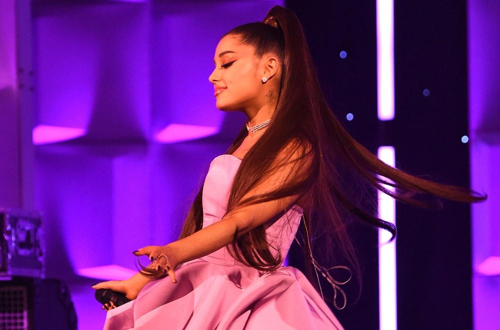 Kejutan Ariana Grande di 'Breakup with Your Girlfriend'