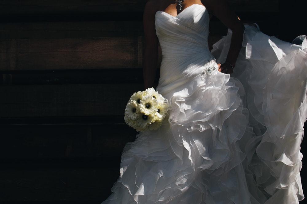 Lakukan Ini Kepada Gaun Pengantin Jika Batal Menikah