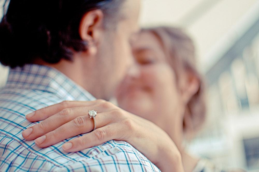 Penyebab Ruam Merah di Kulit Sekitar Cincin Pernikahan