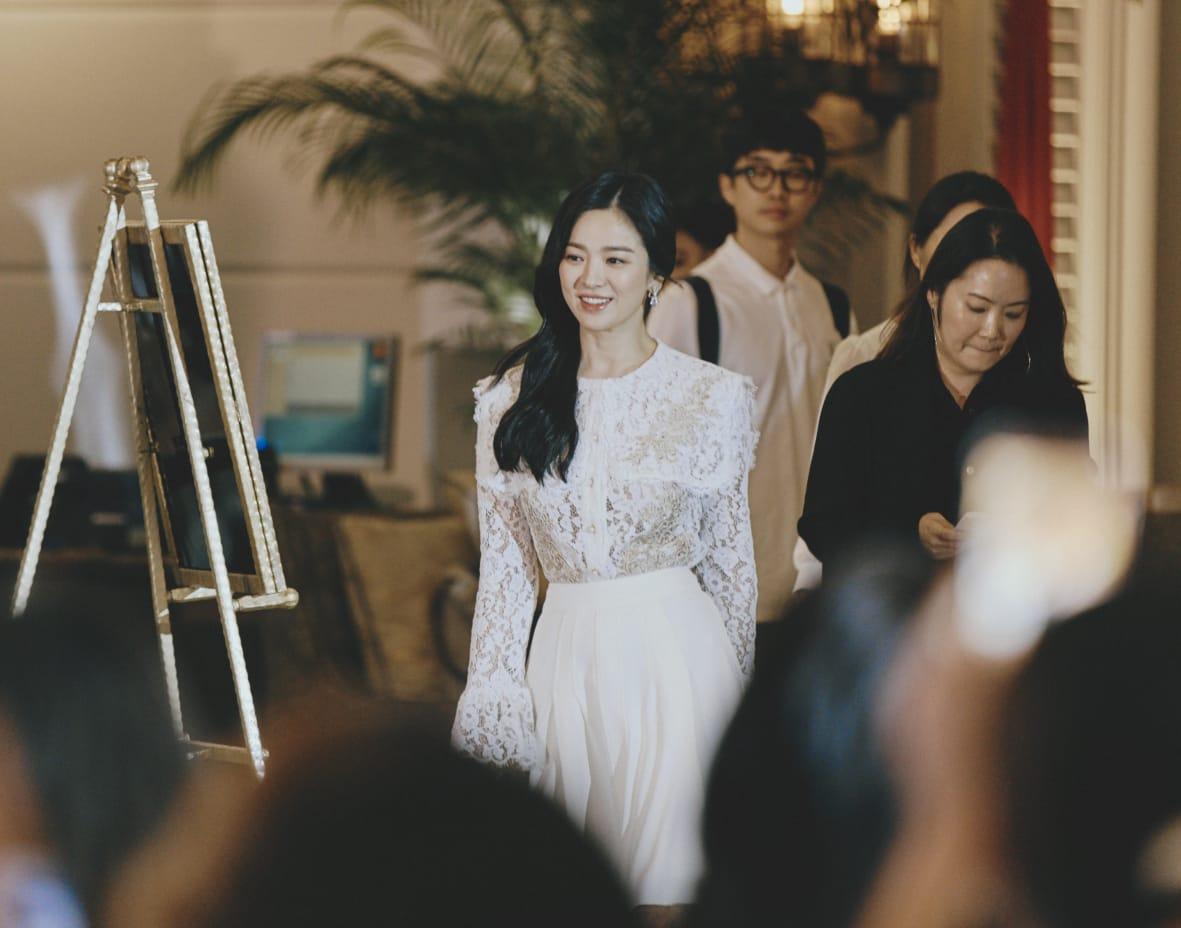 Song Hye-Kyo Hadiri Peluncuran Produk Anti Aging Baru