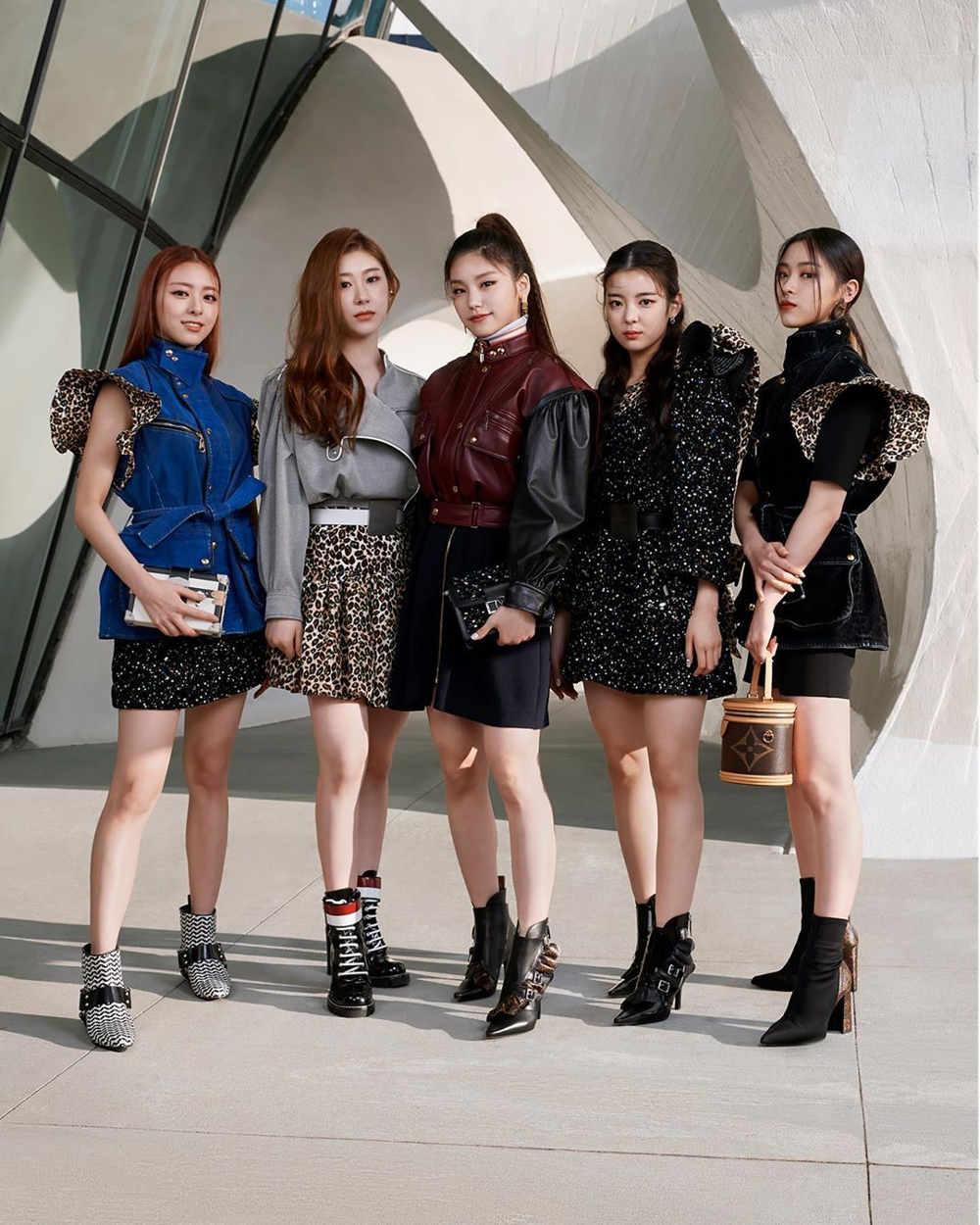 Spotted: Grup K-pop 'Itzy' Mengenakan Louis Vuitton