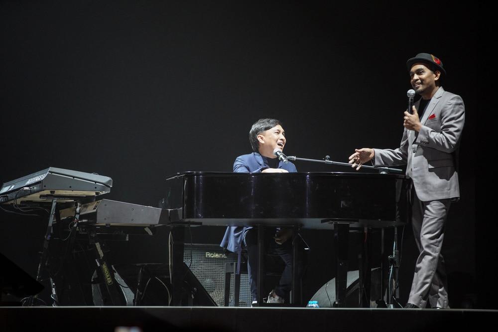 Tawa di Konser 'Inspirasi Cinta Yovie and His Friends'