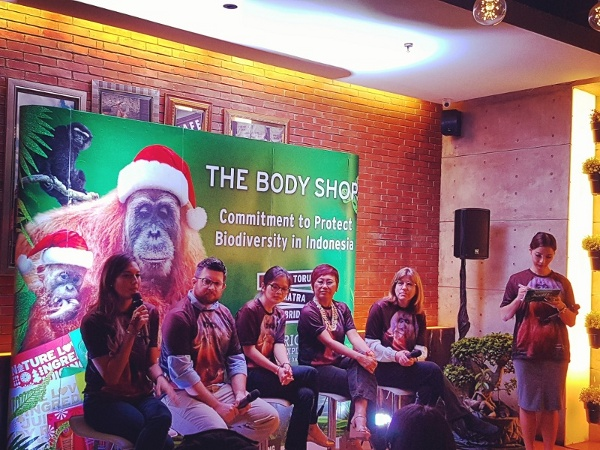Nadine Chandrawinata dan The Body Shop Selamatkan Hutan