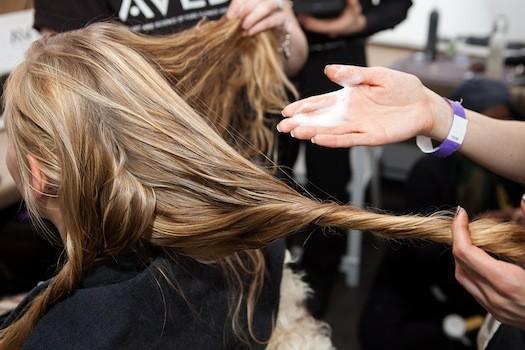 Cara Tepat Menggunakan Produk Rambut