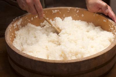 Cara Memasak Nasi untuk Sushi