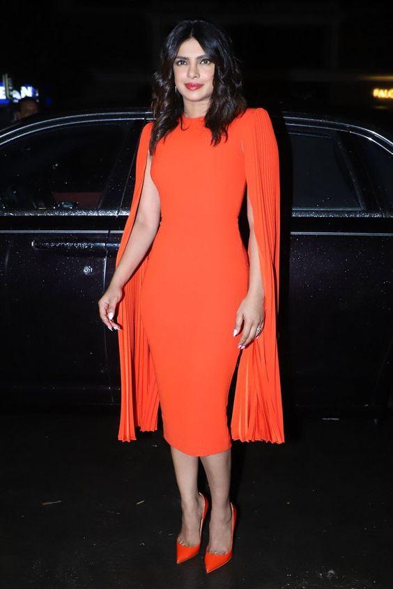 pakaian berwarna tangerine
