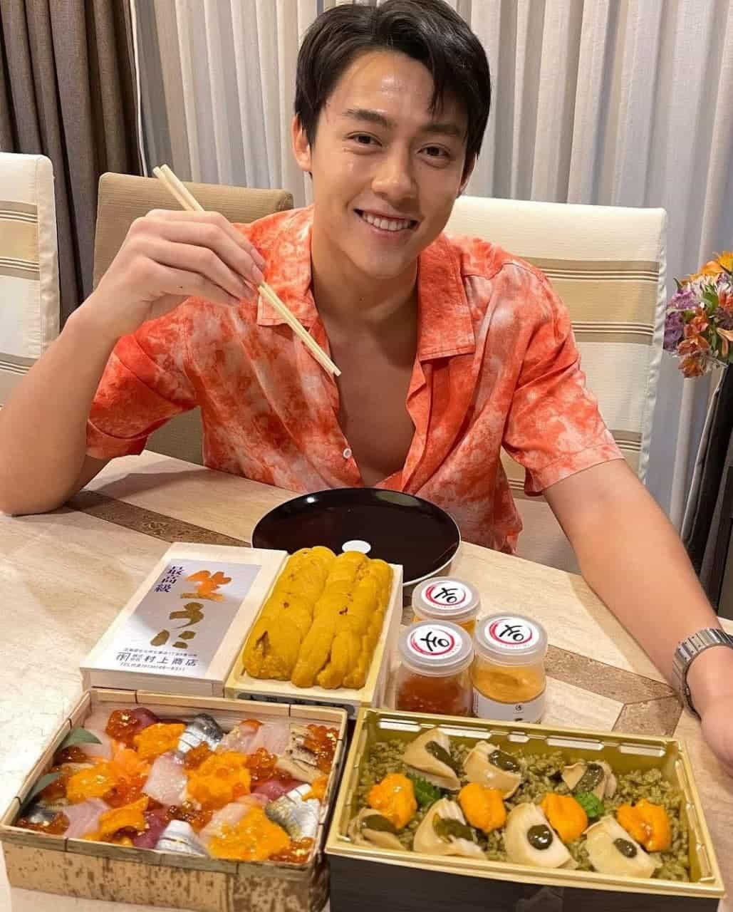 aktor muda tampan dari thailand