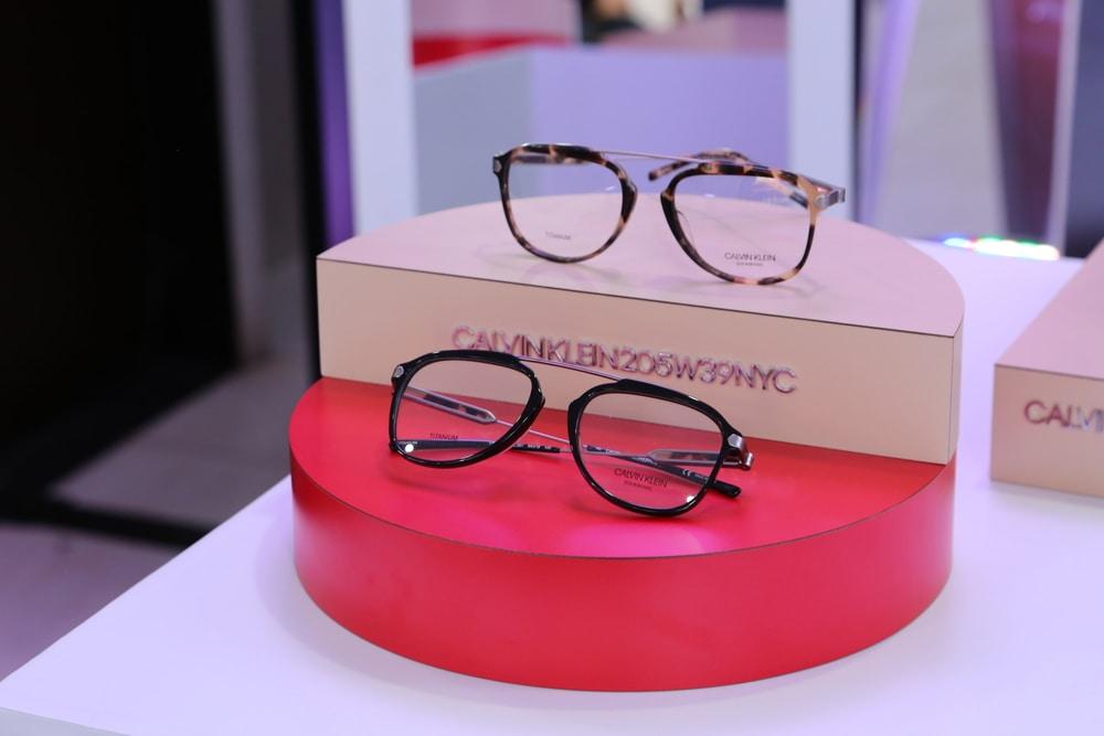 Uniknya Koleksi Kacamata Terbaru dari Calvin Klein b67a3b3425