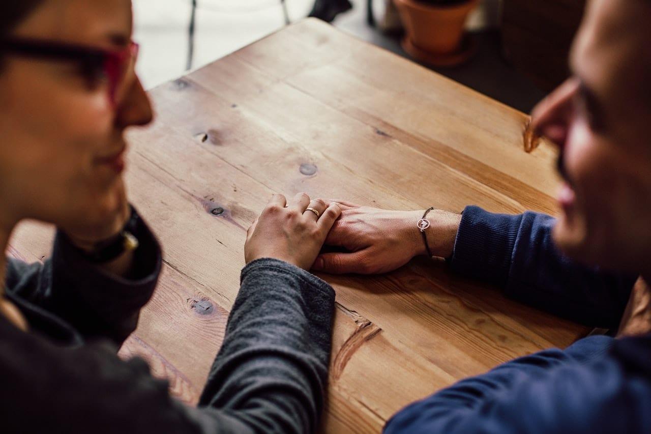 cara bertengkar dengan pasangan