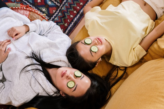 cara menghilangkan kantung mata secara alami dan permanen