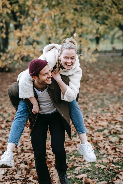kelebihan pacaran dengan sahabat
