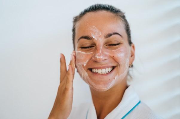 double cleansing untuk kulit berminyak