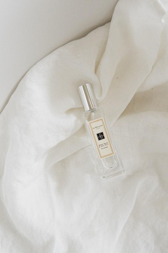 parfum wanita yang wanginya lembut