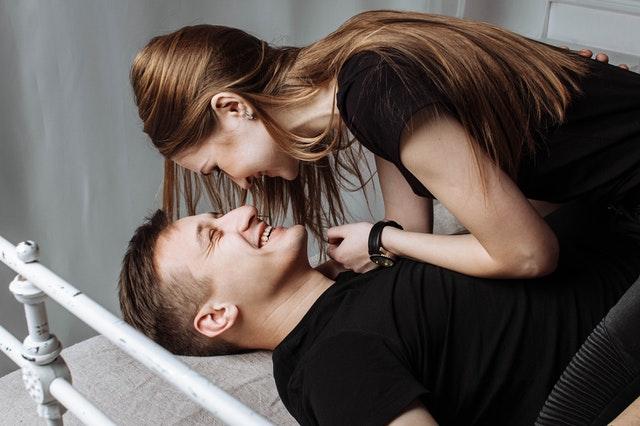 Cara sederhana agar pasangan membuka diri