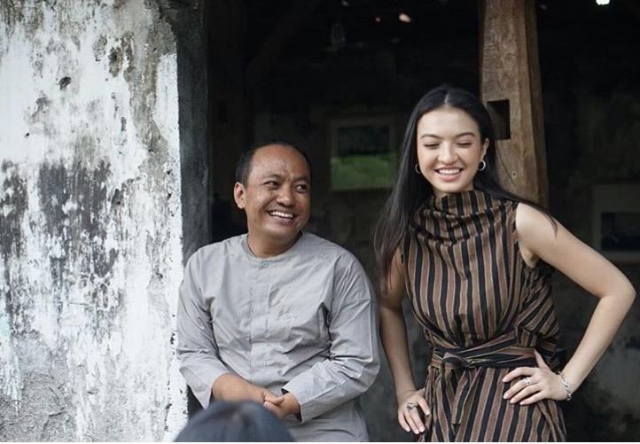 5 Tampilan Raline Shah Mengenakan Busana Desainer Lokal
