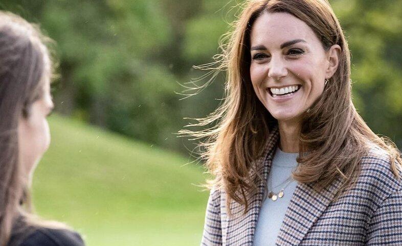Contek Gaya Busana Kate Middleton untuk Inspirasi OOTD-mu!