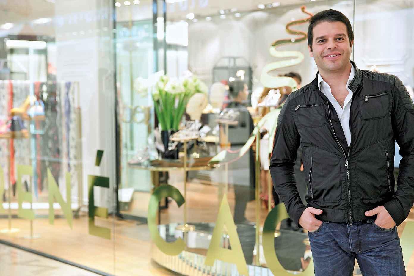 Creative Director Rene Caovilla Ungkap Rahasia Kesuksesannya