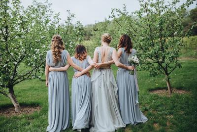 4 Hal yang Wajib Dibicarakan Dengan Bridesmaids