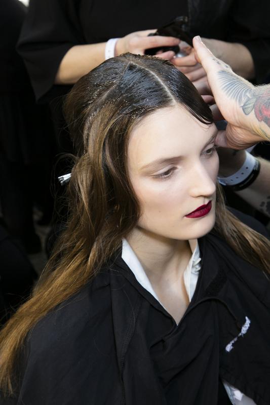 Trik Paling Baru untuk Menata Rambut