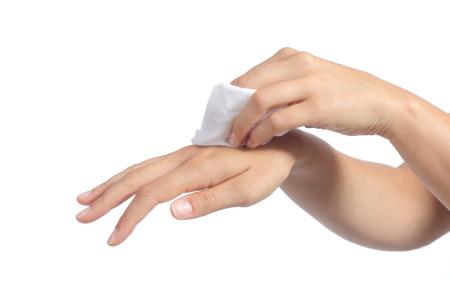Produk Kebersihan yang Wajib Ada Dalam Tas Anda