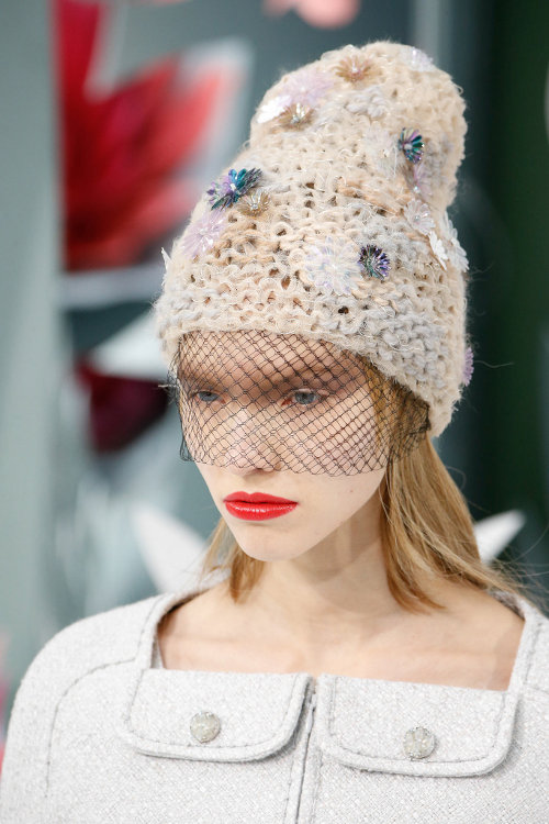 Couture Beanie, Tren Terbaru dari Chanel
