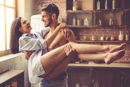 4 Posisi Bercinta yang Harus Dicoba Minggu Ini