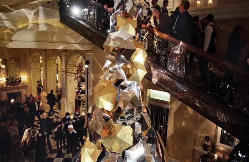 Pohon Natal Mewah ala Burberry