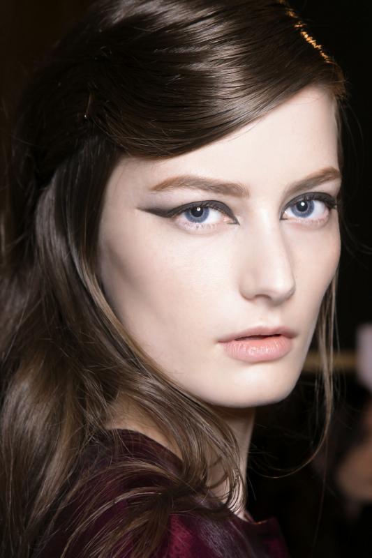 Cara Memakai Eyeliner Wing - women's lifestyle trends | herworld.co.id