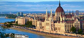 Meluncur ke Budapest dengan Emirates