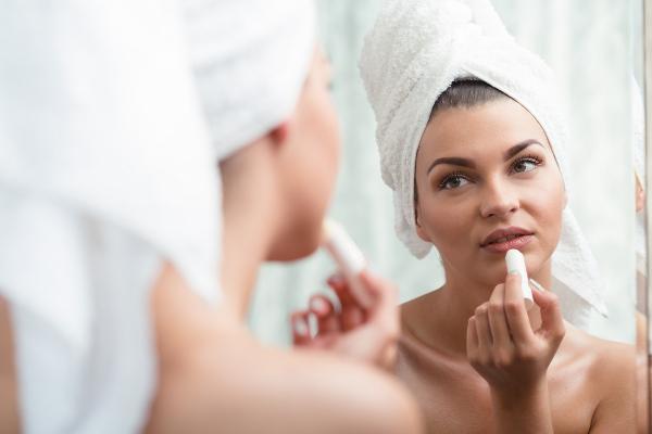 Ini Alasan Mengapa Anda Wajib Memakai SPF di Bibir