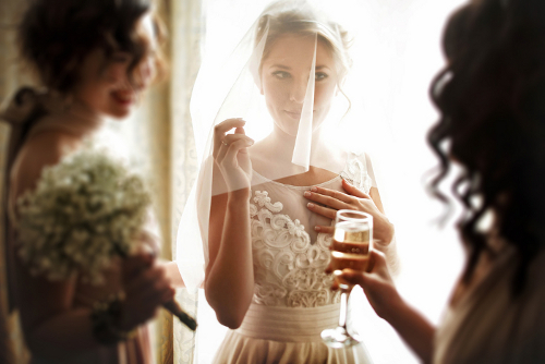 Tips Membuat Pidato Menarik untuk Maid of Honor