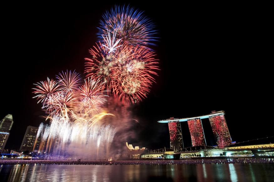 Pesta Akhir Tahun di Bawah Langit Singapura
