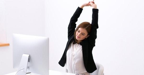 Tetap Fit Meski Duduk Seharian di Kantor
