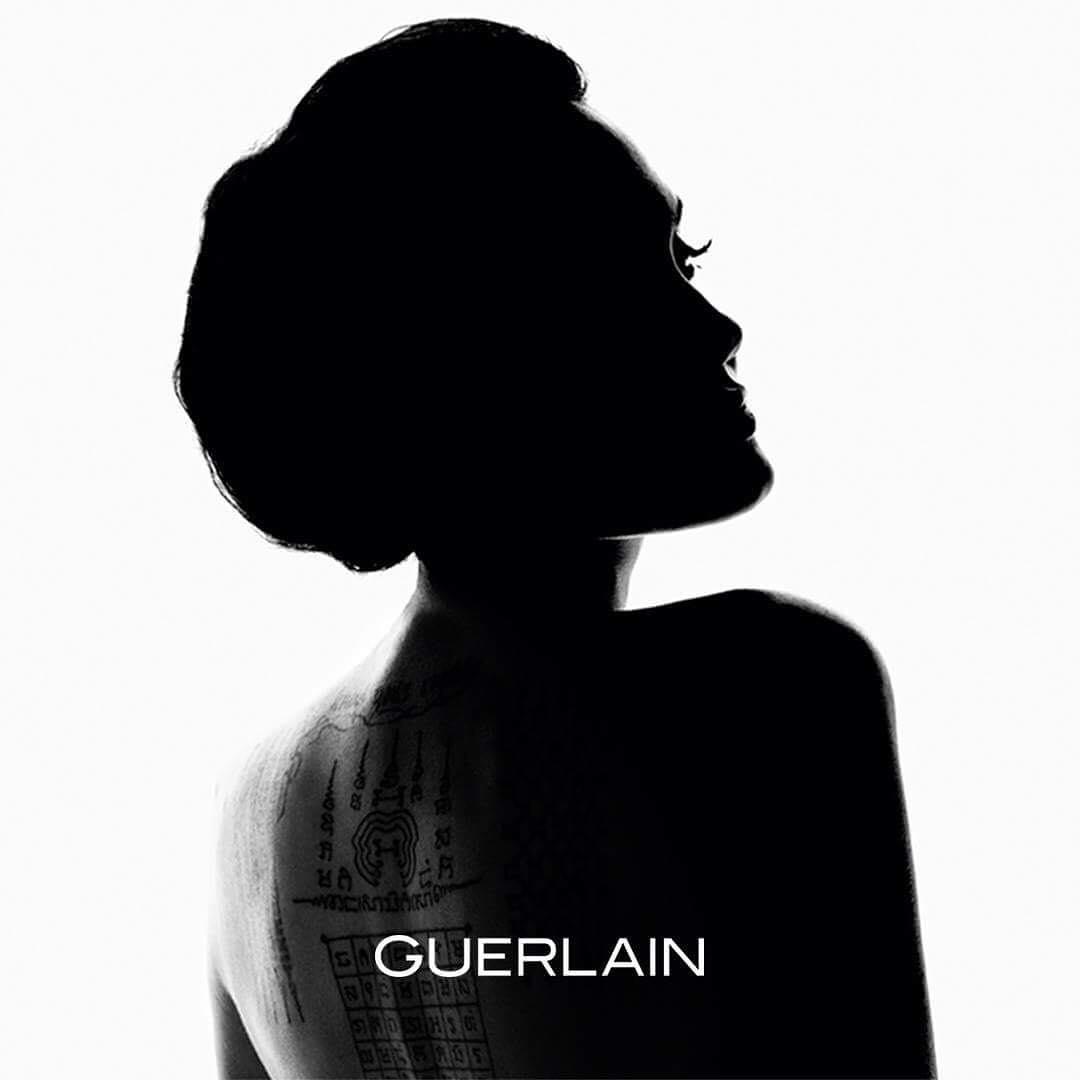 Angelina Jolie Menjadi Wajah Baru Untuk Parfum Guerlain