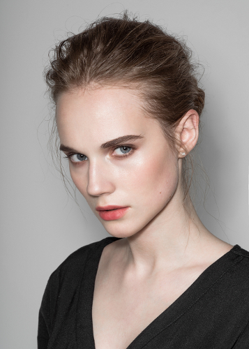 Cara Bikin Bibir Merona Tanpa Lipstik