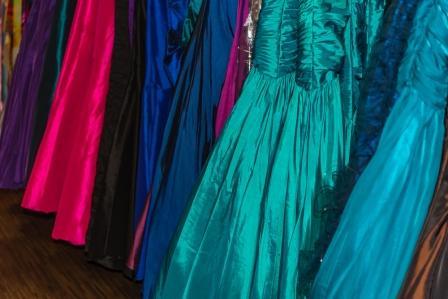 Tips Memilih Warna Gaun Pengantin untuk Kulit Gelap