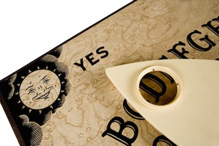 Kisah Permainan Ouija Board Paling Menyeramkan