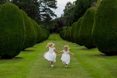 4 Tips Memilih Gaun untuk Flower Girl
