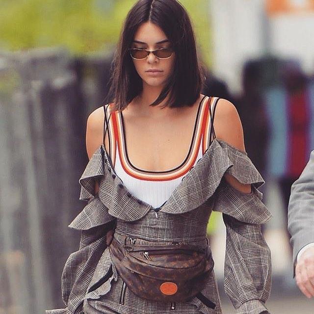 Spotted: Kendall Jenner Mengenakan Louis Vuitton