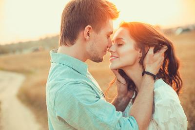 10 Aturan Kencan Pertama Millennial