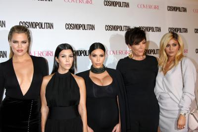 Rob Kardashian-Blac Chyna Segera Menikah. Apa Reaksi Keluarga Kardashian-Jenner?