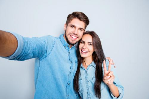 Sering Mengumbar Foto dengan Pasangan: Baik atau Tidak