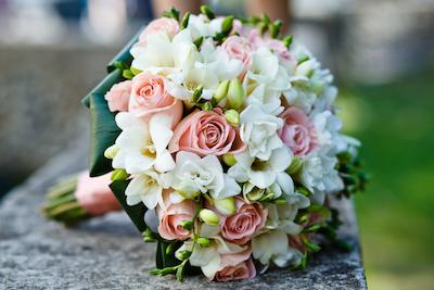 24 Inspirasi Buket Bunga Pengantin