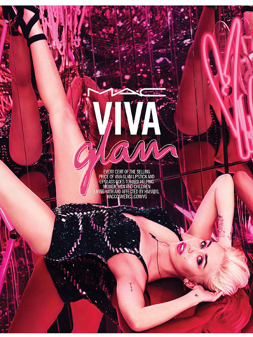 Miley Cyrus untuk M.A.C. Viva Glam