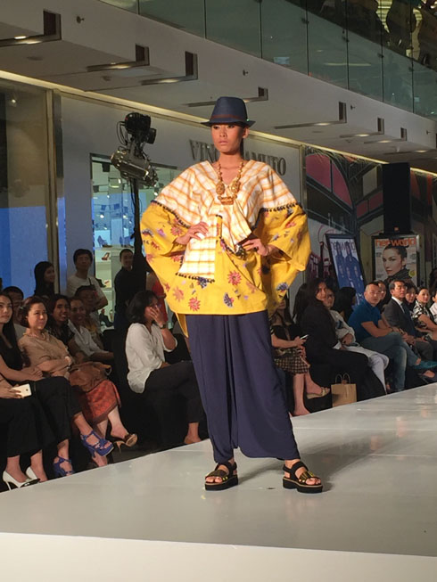 her world Surabaya Young Designers Ramaikan Panggung Surabaya Fashion Week 2015